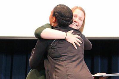 Deneane Richburg '96 receives the 2018 alumni award